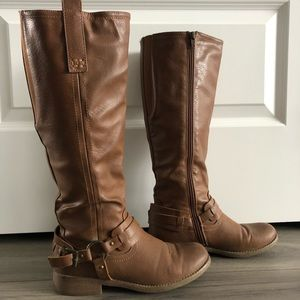 Size 37 brown boots